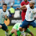 Argentina beat Qatar 2-0