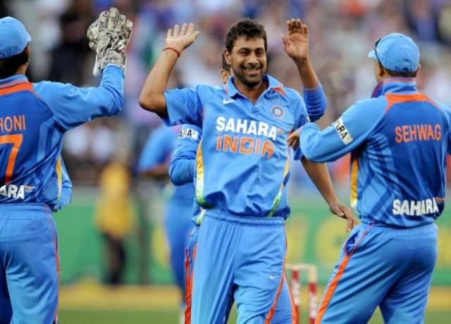 Former Indian Cricketer praveen kumar Beaten father and son